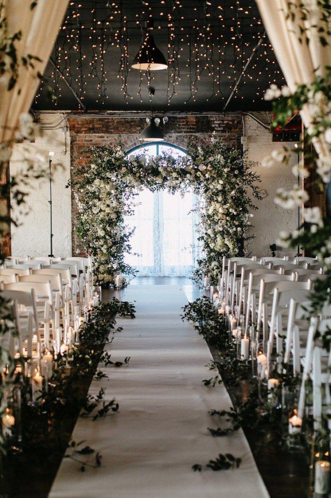 Esküvőszervező által dekorált esküvői helyszín